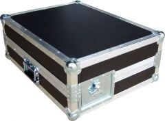 Closed Soundcraft Si Performer 1 Rack mounting case